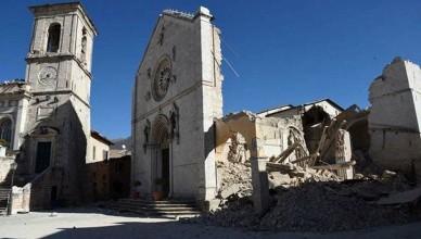 terremoto norcia basilica san benedetto crolli 30 ottobre 2016-2